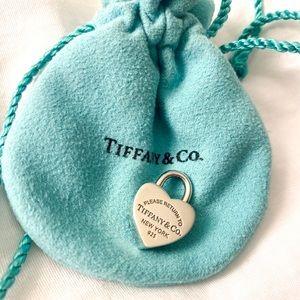 Tiffany&Co Return to Tiffany Heart Lock Pendant